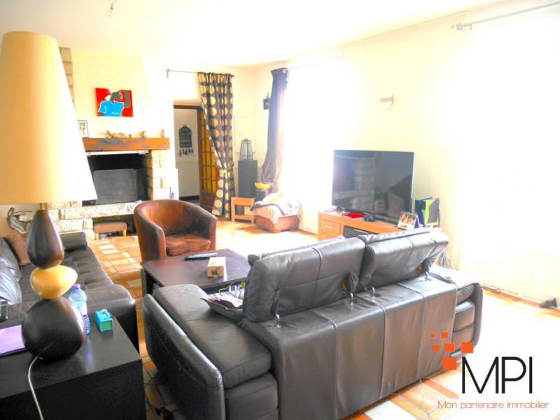 Rental house / villa Saint gilles 1040€ CC - Picture 3