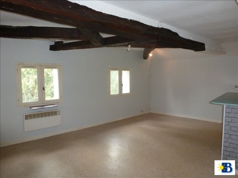 Location appartement Chatellerault 343€ CC - Photo 1