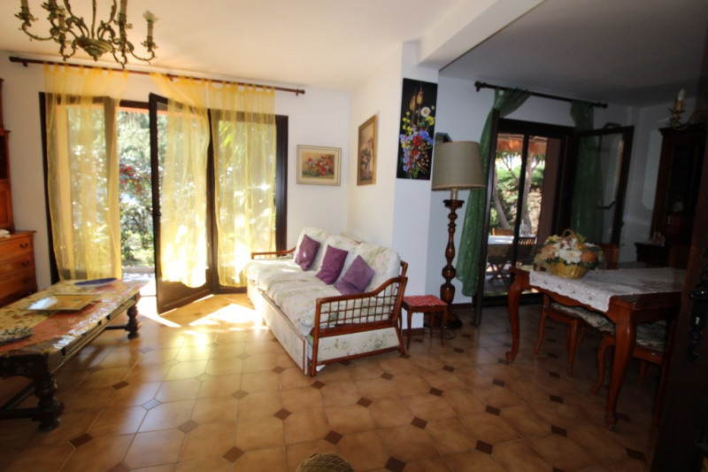 Vente maison / villa Hyeres 490000€ - Photo 4