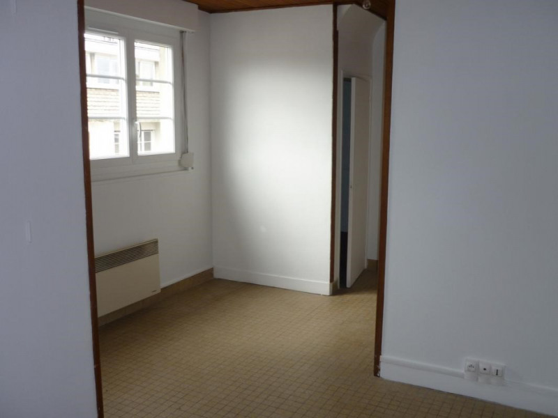 Location appartement Lisieux 365€ CC - Photo 1
