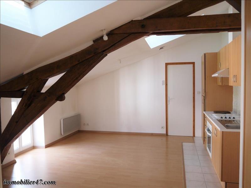 Rental apartment Castelmoron sur lot 390€ CC - Picture 2