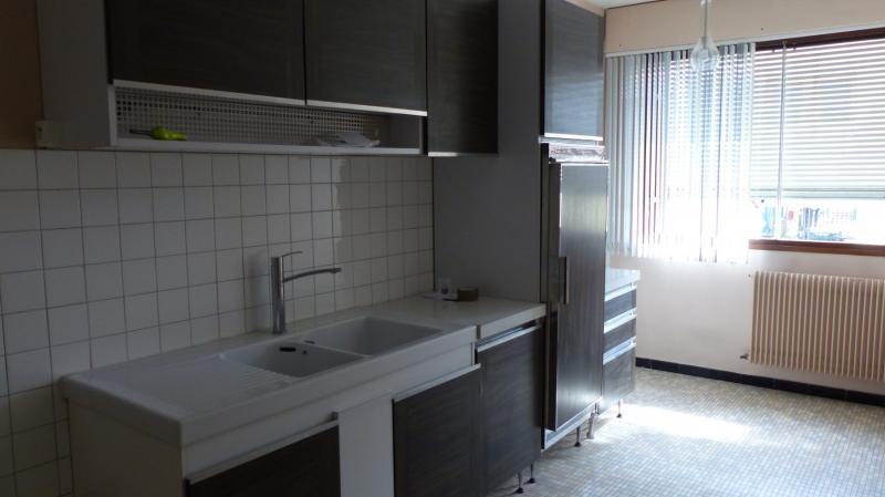 Rental apartment Bordeaux 953€ CC - Picture 2