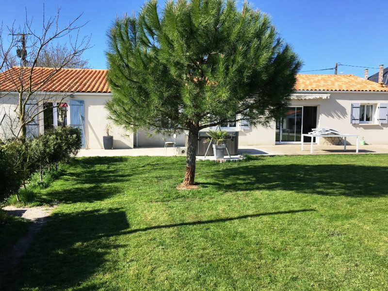 Sale house / villa Surgeres 178000€ - Picture 6
