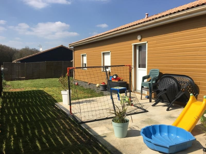 Location maison / villa Liguge 700€ CC - Photo 7