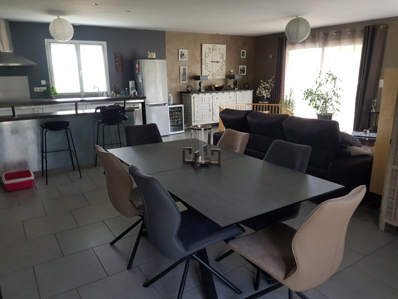 Sale house / villa Auberives-sur-varèze 315000€ - Picture 2