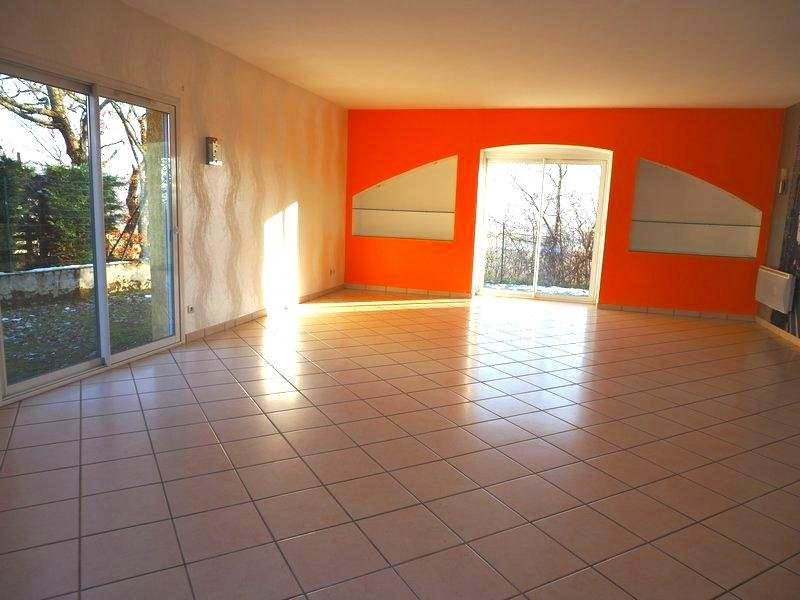 Sale house / villa Lapeyrouse mornay 231 600€ - Picture 6