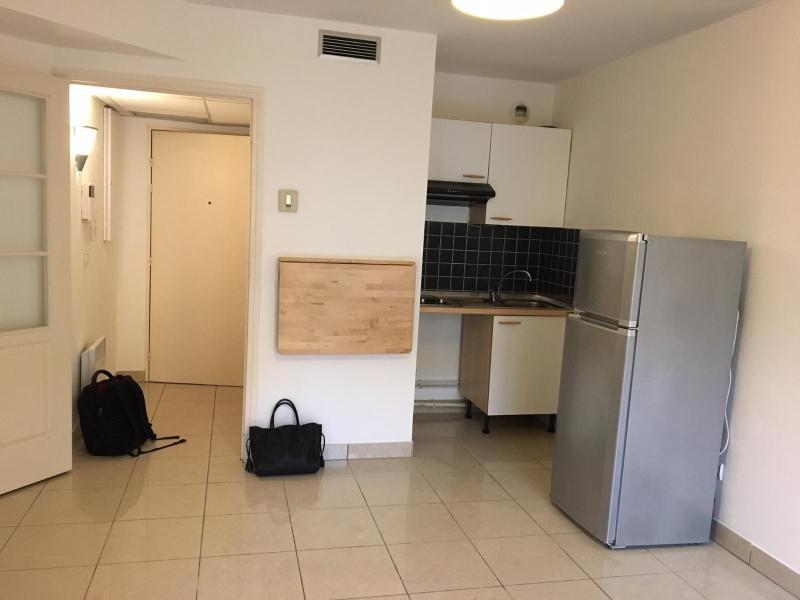 Location appartement Aix en provence 871€ CC - Photo 3