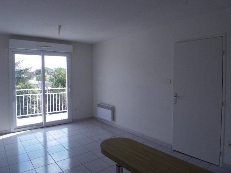 Rental apartment Cognac 383€ CC - Picture 3