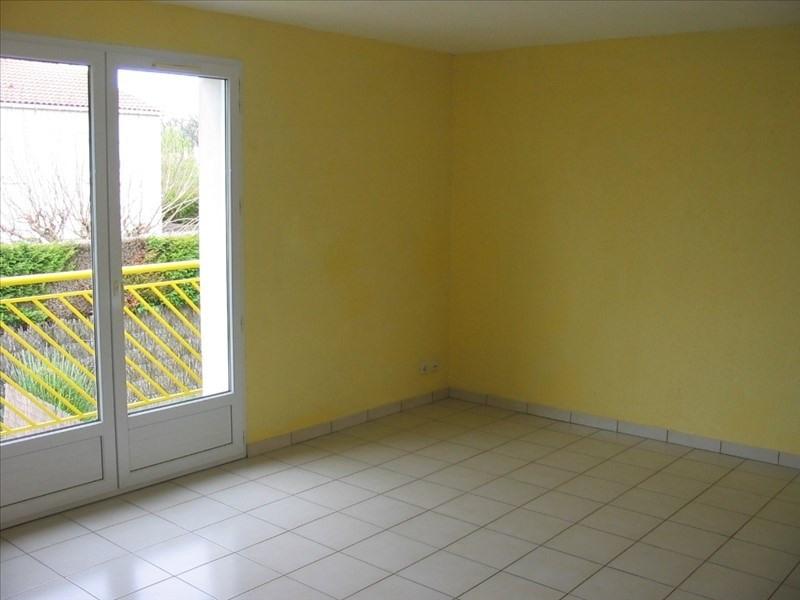 Sale apartment La roche sur yon 108000€ - Picture 3