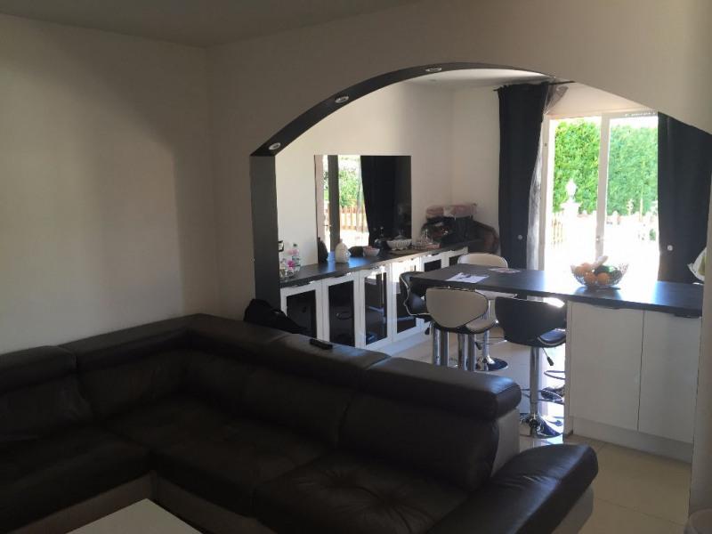 Sale house / villa L isle d'abeau 294000€ - Picture 3