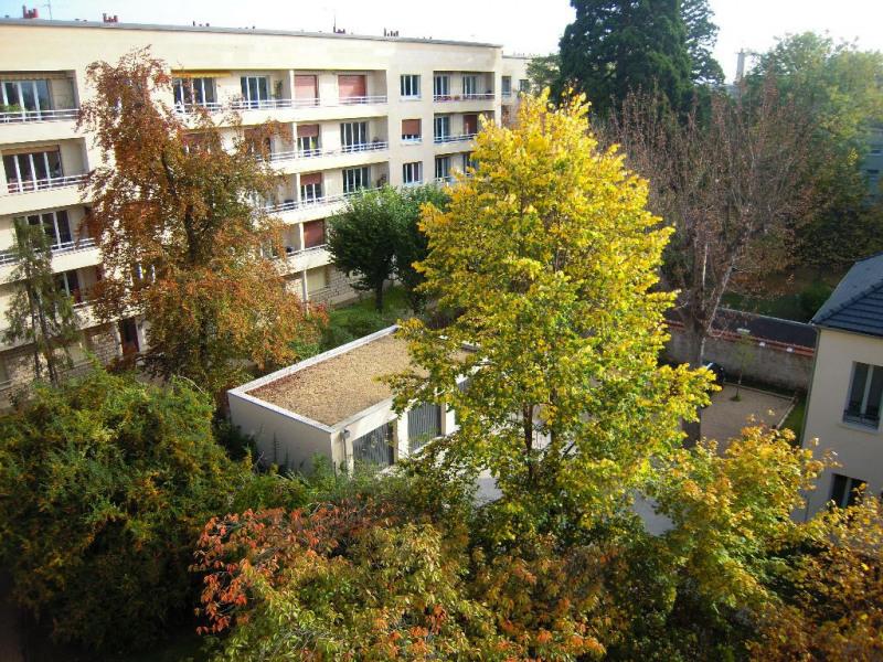 Sale apartment Chatou 695000€ - Picture 1