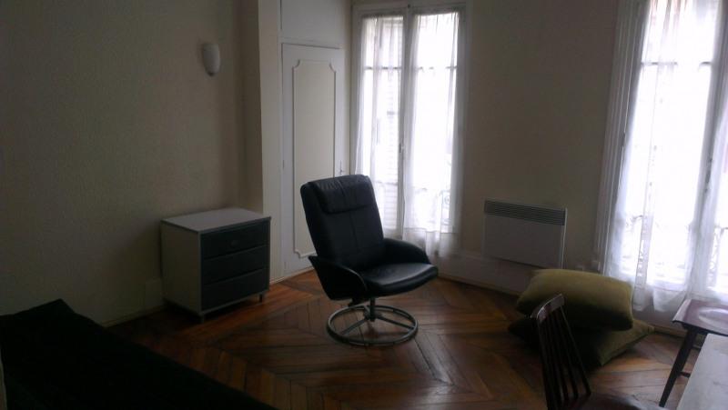 Rental apartment Paris 4ème 1250€ CC - Picture 3