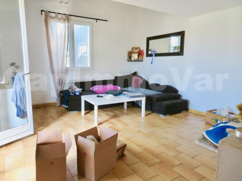 Rental house / villa Le beausset 810€ CC - Picture 2