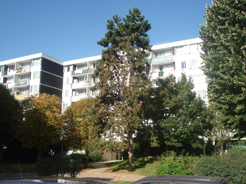 Sale apartment Trappes 108 000€ - Picture 1