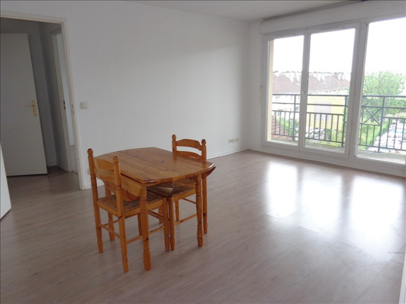 Rental apartment Bretigny sur orge 740€ CC - Picture 1