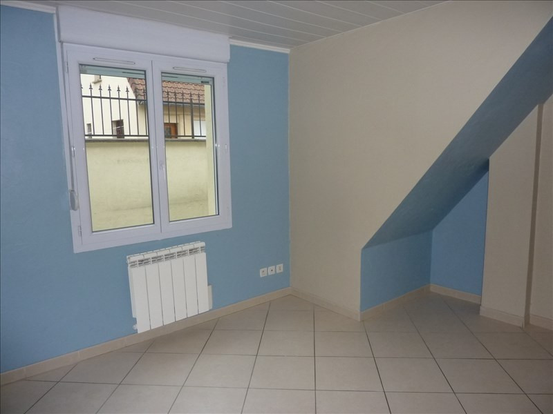 Rental apartment Claye souilly 785€ CC - Picture 3