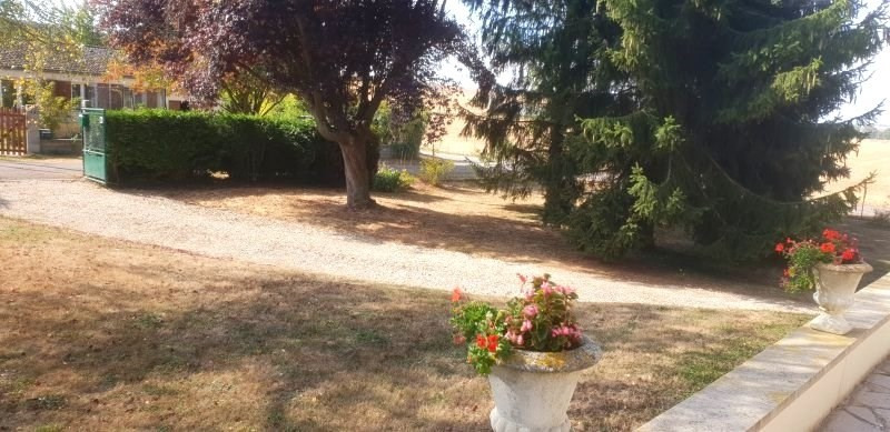 Sale house / villa La chapelle sur oreuse 158 000€ - Picture 2