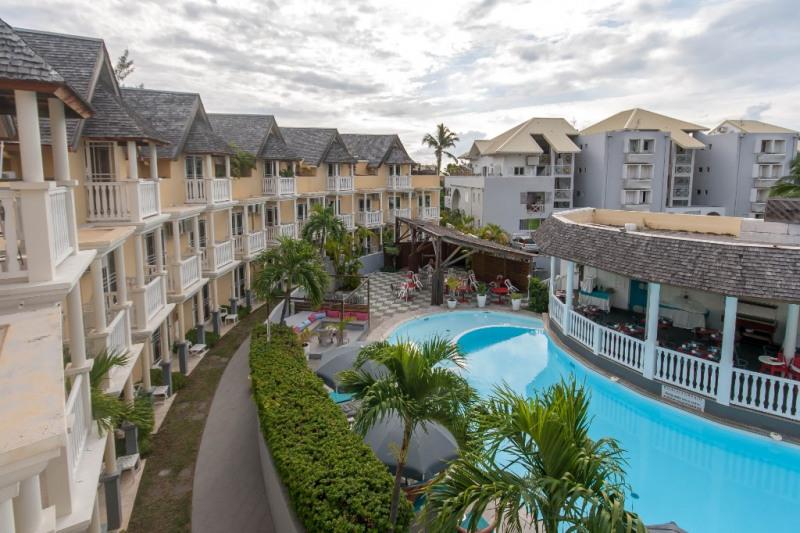 Venta  apartamento Saint gilles les bains 409500€ - Fotografía 1