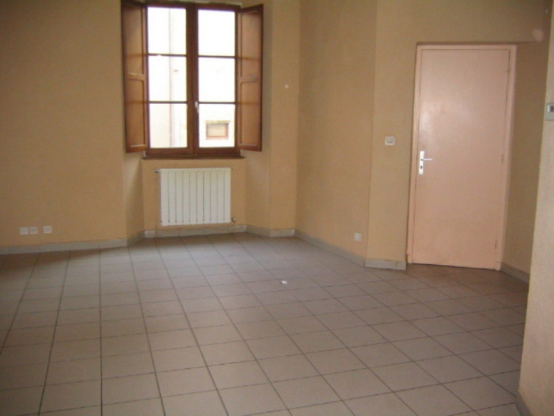 Location appartement Villeneuve-de-berg 442€ CC - Photo 2