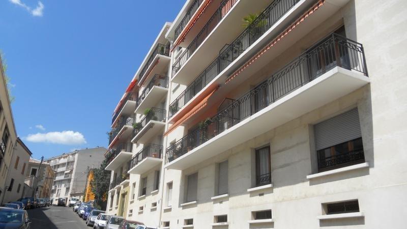 Sale apartment Nimes 242000€ - Picture 2