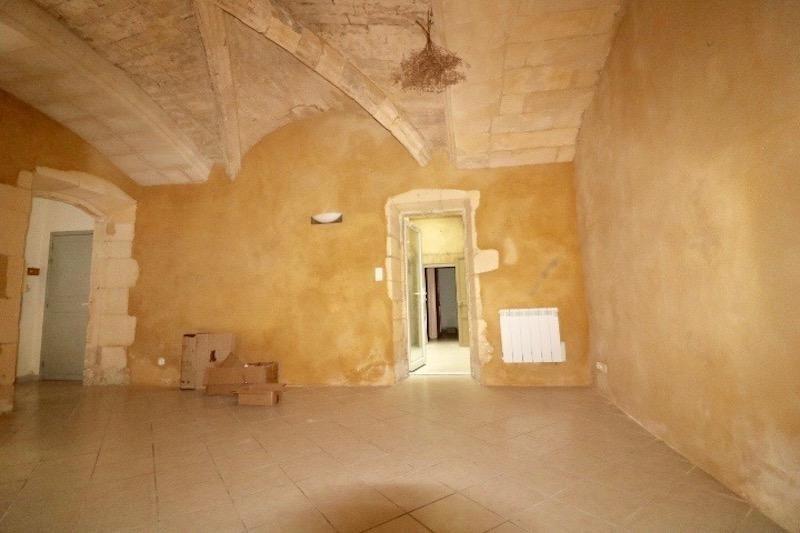 Sale apartment Arles 180000€ - Picture 4