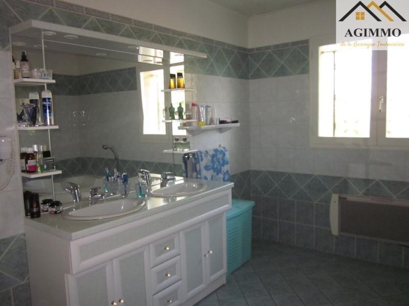 Sale house / villa L isle jourdain 282000€ - Picture 6