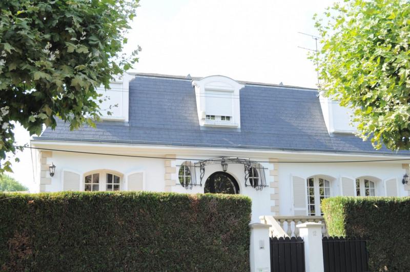 Sale house / villa Villemomble 680000€ - Picture 1