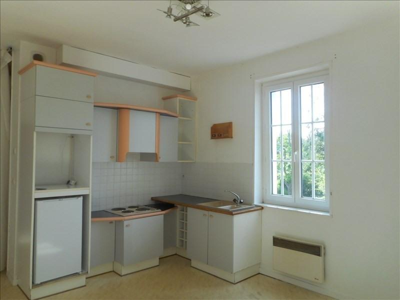 Rental apartment Fauville en caux 299€ CC - Picture 1