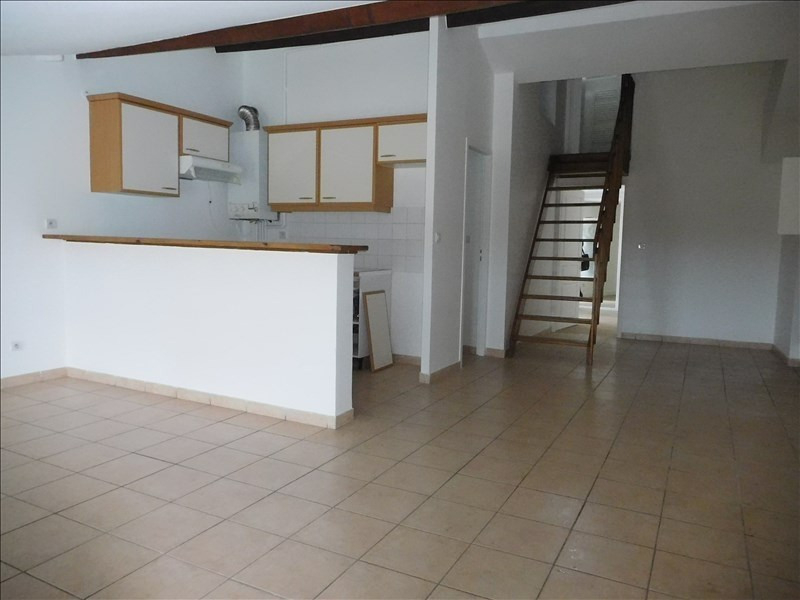 Rental apartment Le puy en velay 451,79€ CC - Picture 1