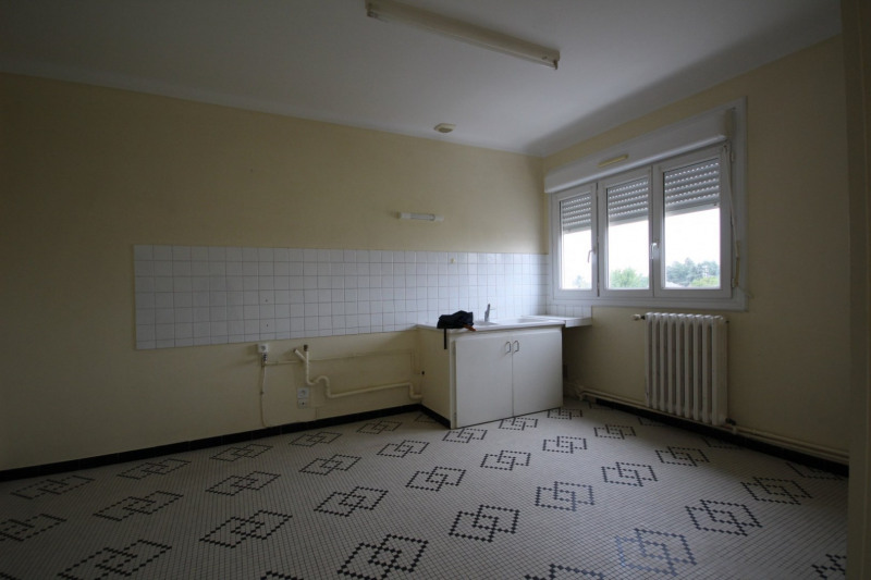 Rental apartment Aizenay 515€ CC - Picture 2