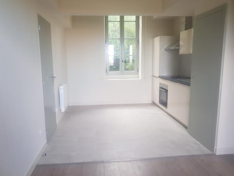 Rental apartment Nimes 662€ CC - Picture 1