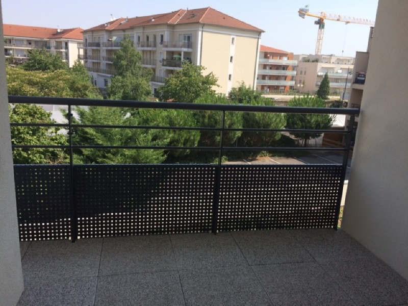 Rental apartment Meyzieu 740€ CC - Picture 1