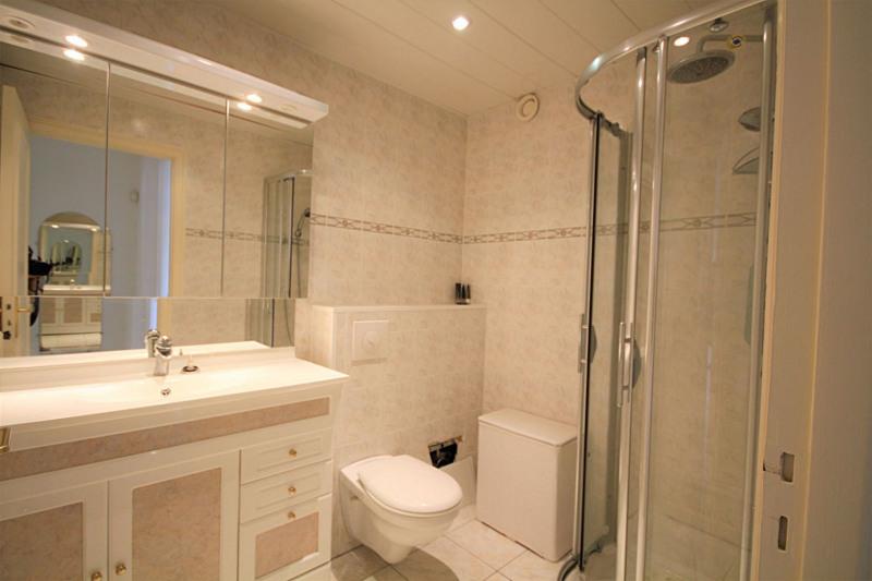 Vacation rental apartment Juan-les-pins 1150€ - Picture 4