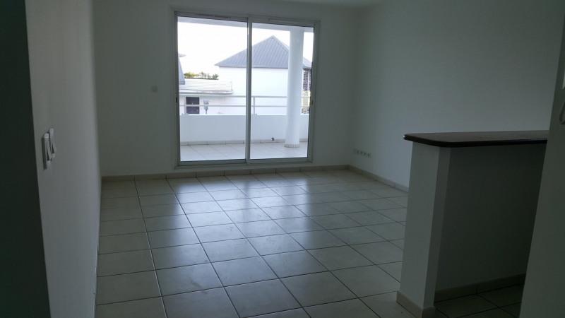 Location appartement Ste clotilde 570€ CC - Photo 3