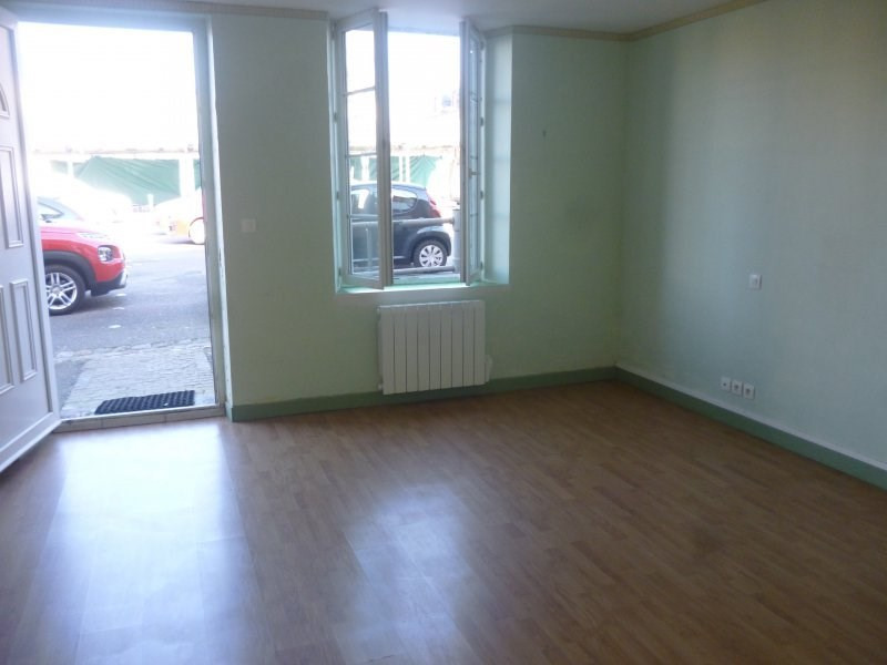 Location appartement Livarot 400€ CC - Photo 1