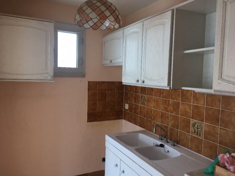 Sale apartment Laval 80 000€ - Picture 2