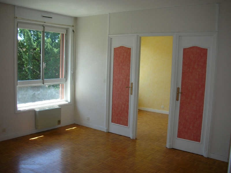 Location appartement Le puy en velay 496,79€ CC - Photo 2