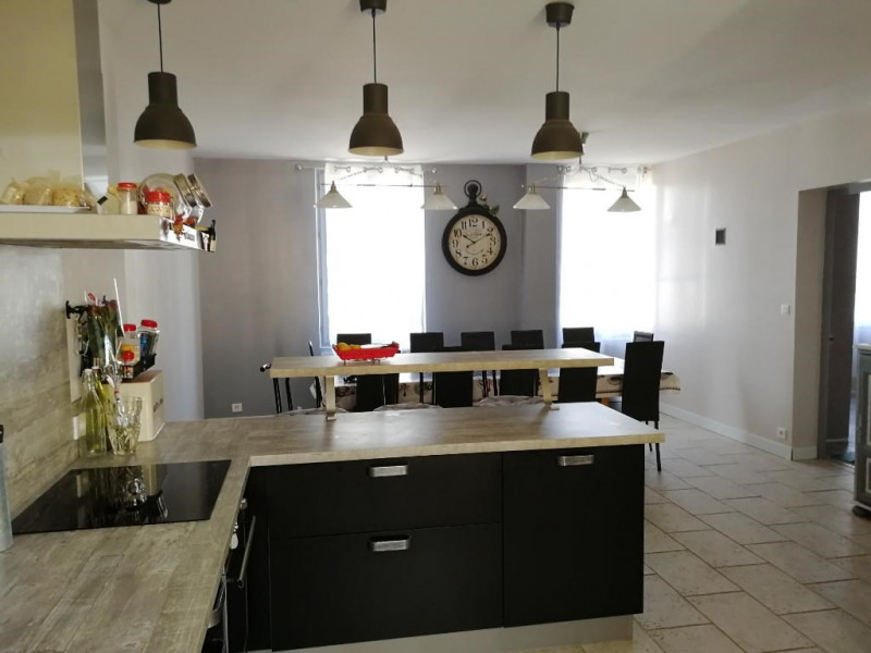 Sale house / villa Chateau renault 324 950€ - Picture 4