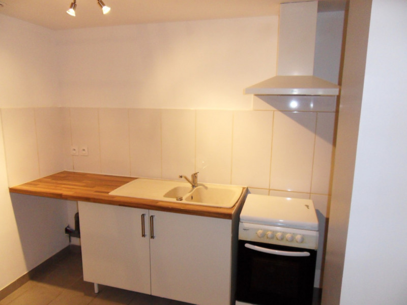 Location appartement Entraigues-sur-la-sorgue 435€ CC - Photo 8