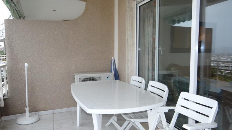 Vacation rental apartment Cavalaire sur mer 800€ - Picture 4