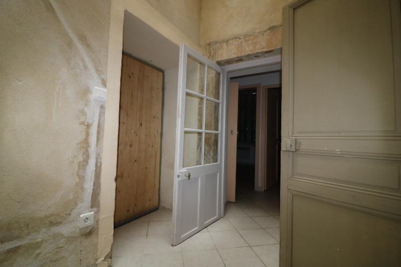 Verkoop  appartement Arles 180000€ - Foto 10