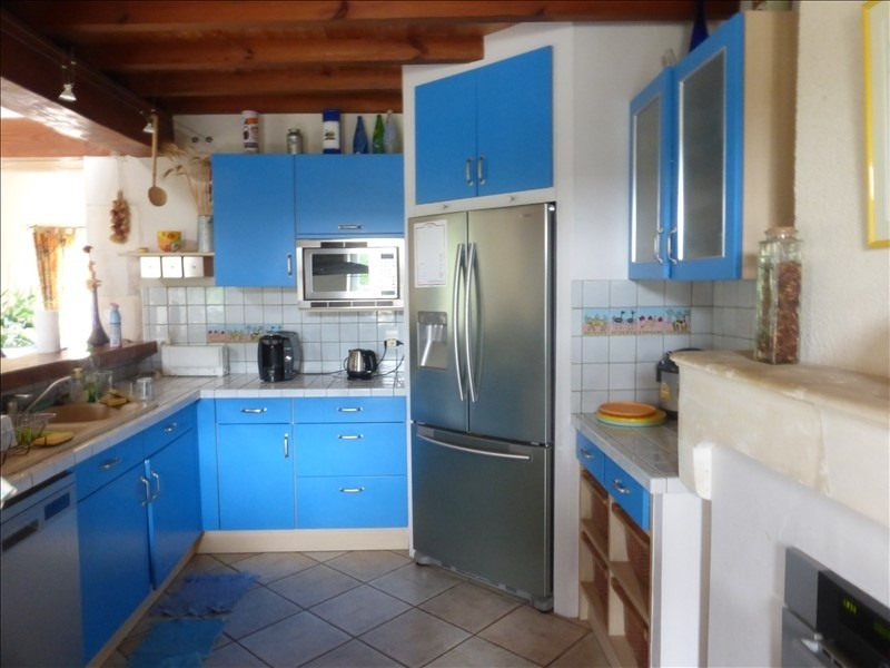 Deluxe sale house / villa Genouille 305 000€ - Picture 3