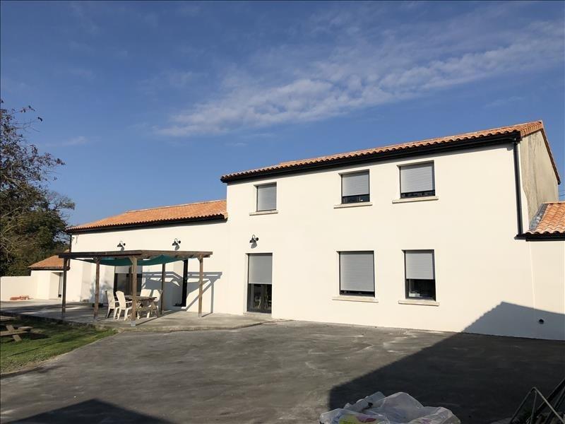 Sale house / villa Jallais 258130€ - Picture 1