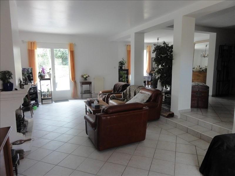 Sale house / villa Montfort l amaury 540000€ - Picture 3