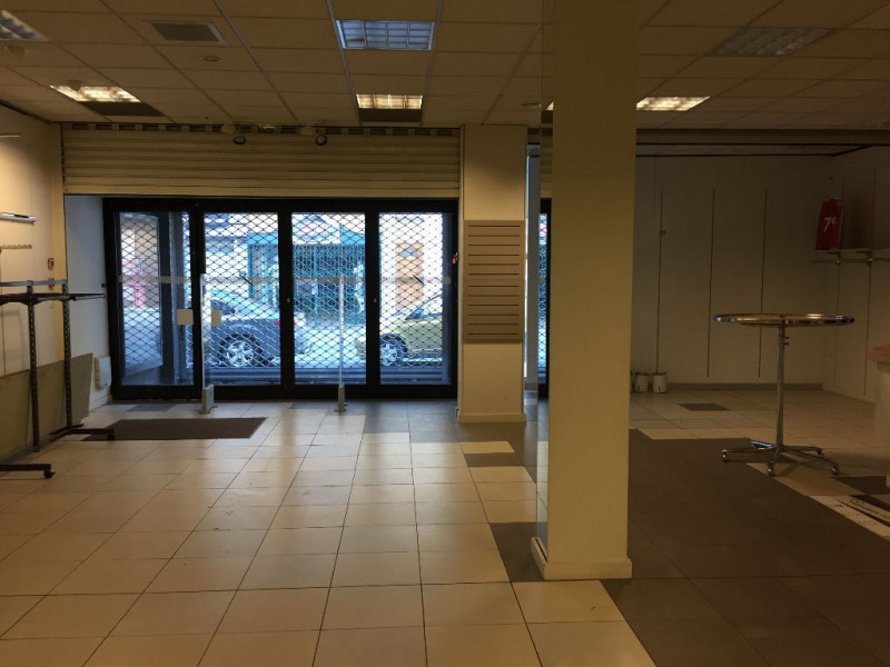 Location local commercial Saint omer 4 200€ HC - Photo 2