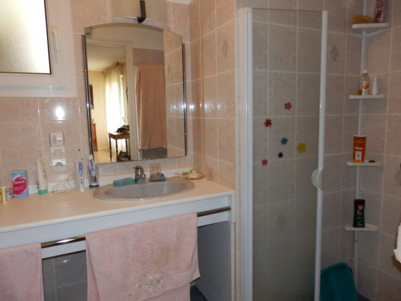 Sale house / villa Montreuil juigne 414500€ - Picture 8