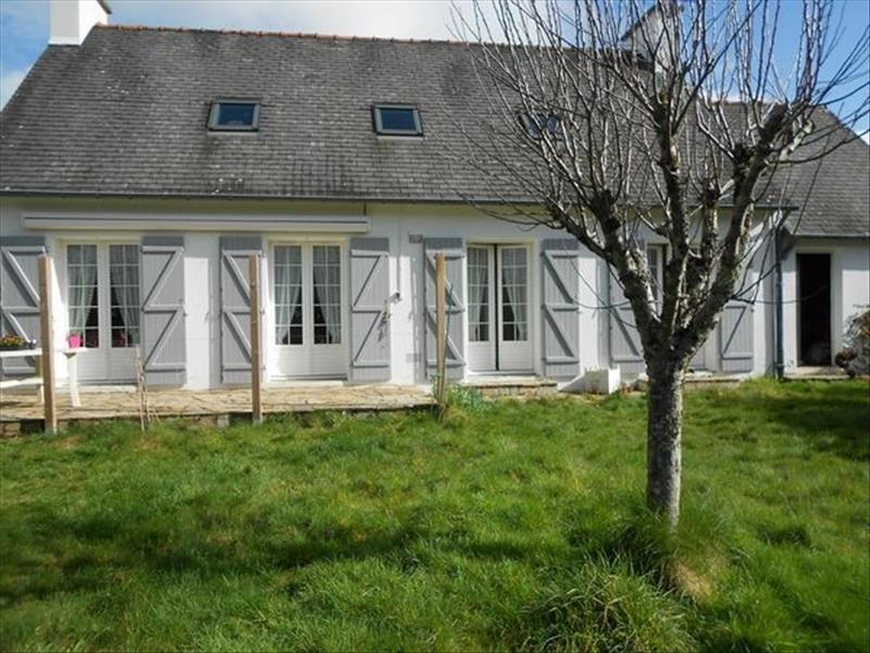 Sale house / villa Ergue gaberic 221200€ - Picture 1