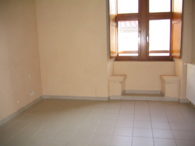 Location appartement Villeneuve-de-berg 442€ CC - Photo 1