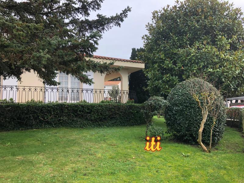 Deluxe sale house / villa Chateau d'olonne 774000€ - Picture 1