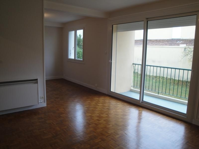 Sale apartment Niort 90 000€ - Picture 2